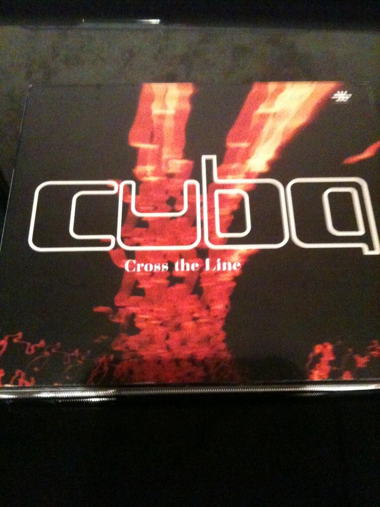 cuba / cross the line